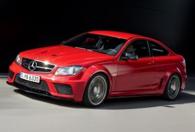 Mercedes C63 AMG coupé Black Series – oficiálně