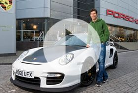 Mark Webber a jeho Porsche 911 GT2 RS – video